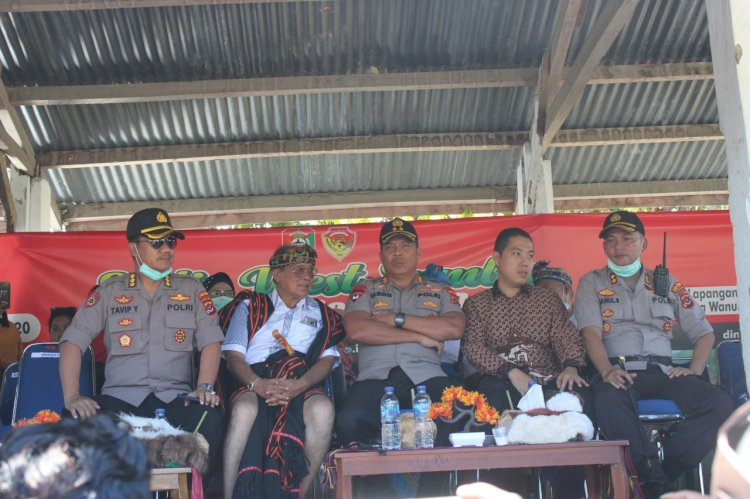 Rangkaian Kunker | Kapolda NTT Irjen Pol. Drs. Hamidin Saksikan Pesta Budaya Pasola Wanukaka 2020