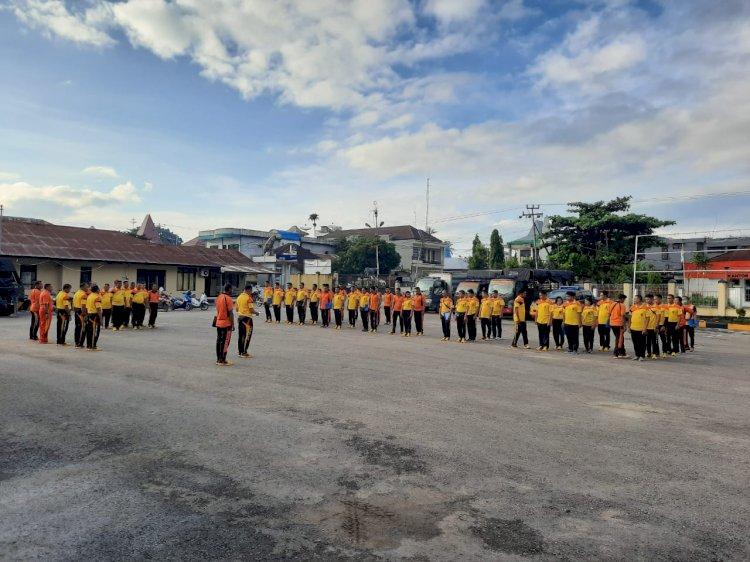 'Sabtu Sehat' | Waka Polres Sumba Barat Pimpin Apel Pagi yang Dilanjutkan Kurve Cegah Corona
