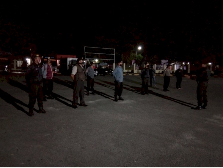 Langkah Cegah Corona || Dipimpin Aiptu Frensen, Ops Aman Nusa II Patroli Malam di Seputaran Waikabubak