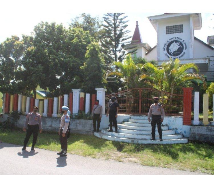 Tim Ops Aman Nusa II Lakukan Patroli Dan Pantau Ibadah Minggu di Seputaran Waikabubak