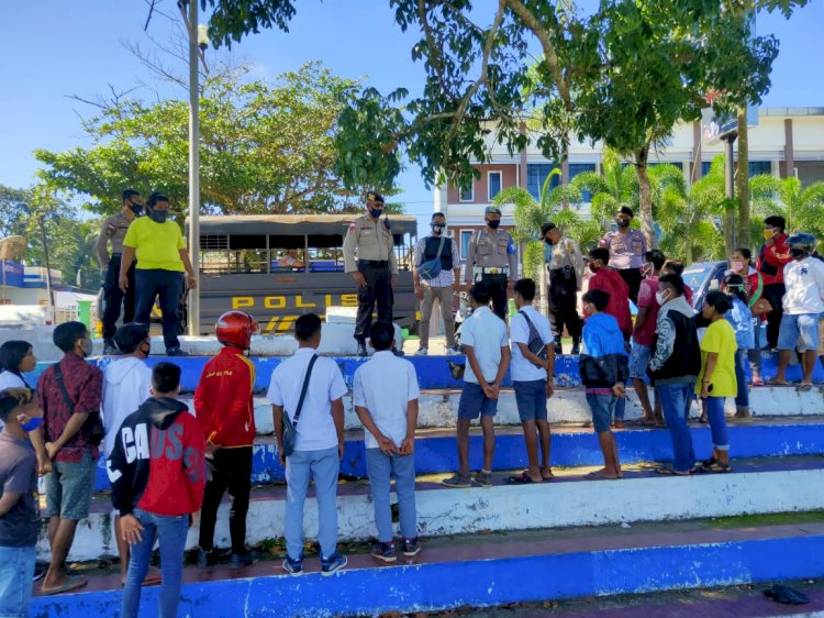 Cagah Covid 19 - Ops Aman Nusa II Sosialisasi Kepada Sejumlah Anak Sekolah Di Lapangan Manda Elu
