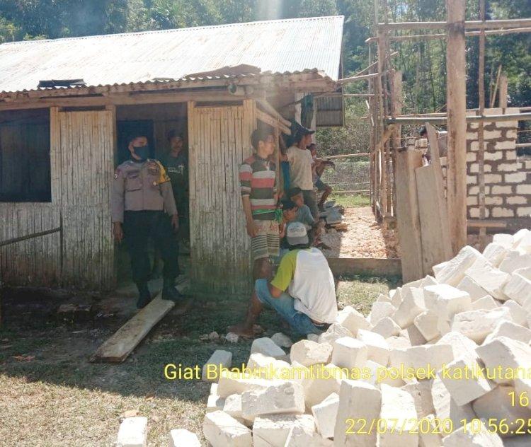 Bhabinkamtibmas Polsek URG, Berikan Himbau Adaptasi Kebiasaan Baru (AKB) Kepada Warga Binaanya