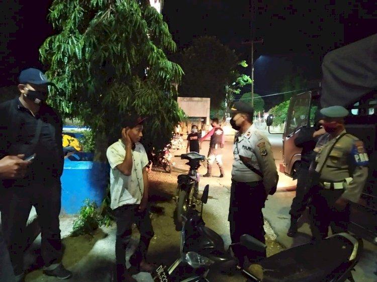 Patroli Malam Tim Operasi Aman Nusa ll, Ajak Masyarakat Disiplin Protokol Kesehatan Pencegahan Covid-19 Di Masa Adaptasi Kebiasaan Baru