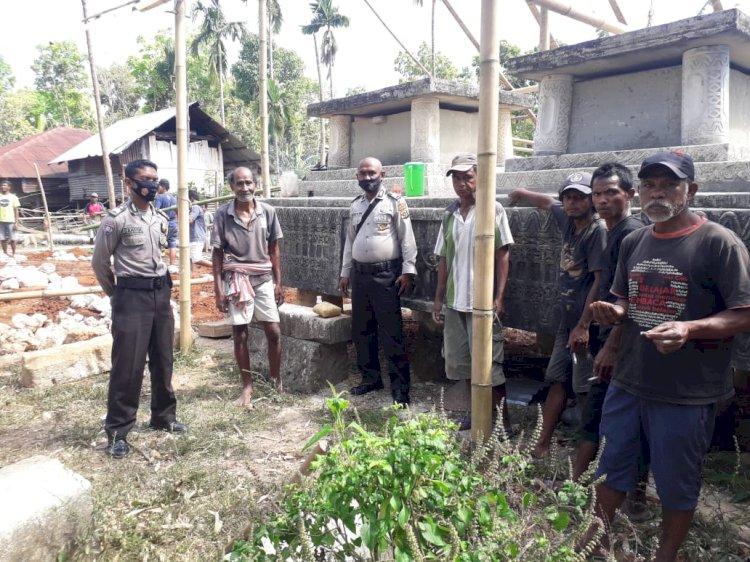 Giat Sambang Dan Sosialisasi Pandemi Covid-19 Oleh Bhabinkamtibmas Polsek Katikutana Terhadap Warga Desa Anakalang