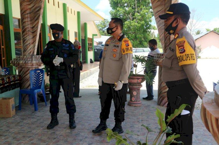 Kapolres Pimpin Pengamanan Terbuka Penandatanganan Pakta Integritas dan Deklarasi Damai Paslon Bupati & Wakil Bupati Sumba Barat