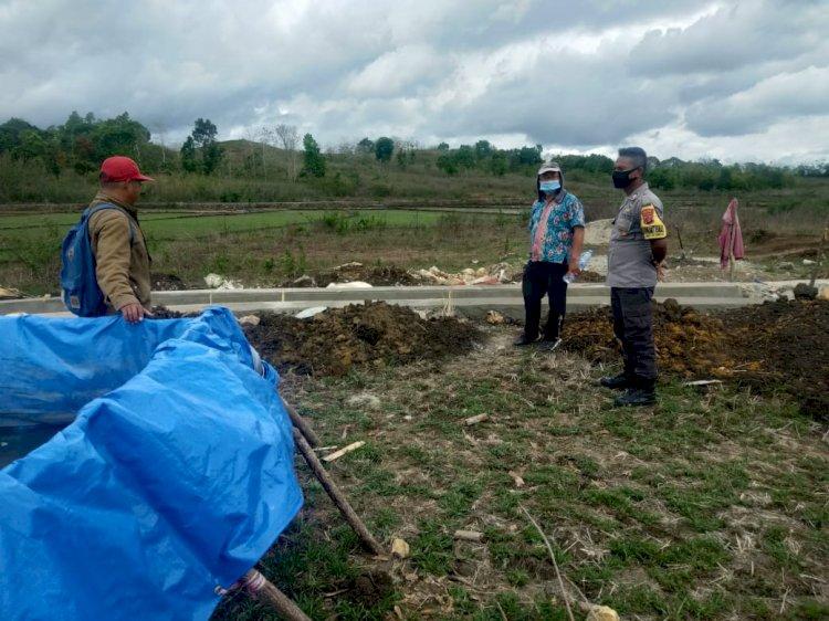 Gelar Sosialisasi, Brigpol Erwin & Tigor Sambangi Warga Binaan di Desa Praikaroku Jangga