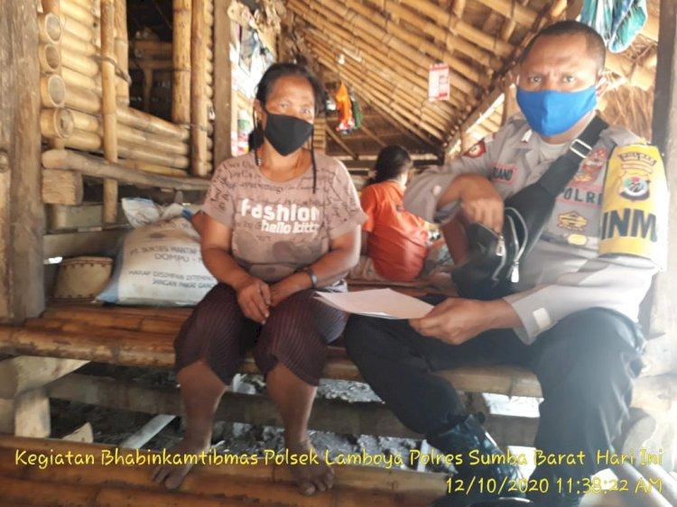 Sambang Warga Serta Sampaikan Pesan Kamtibmas Di Lakukan Bhabinkamtibmas Polsek Lamboya