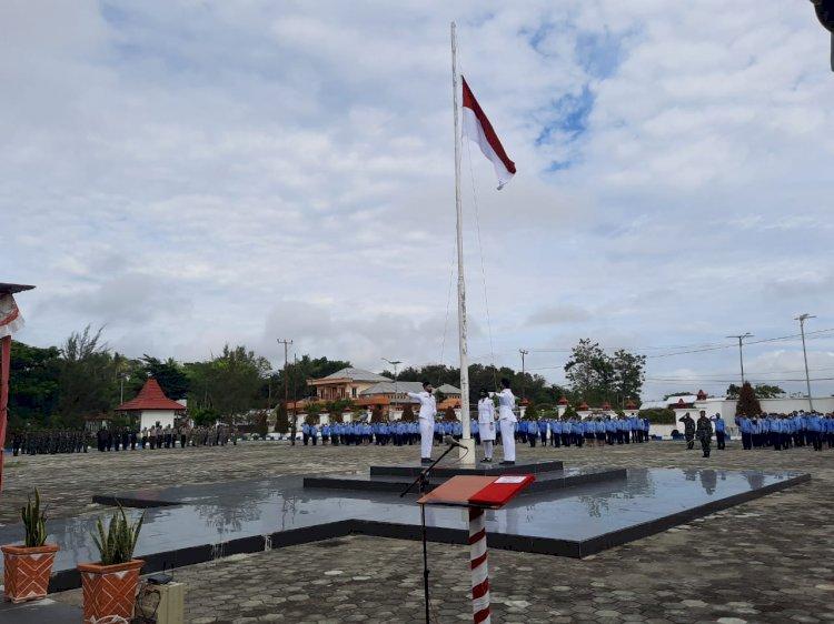 Kapolres Sumba Barat Bersama Ketua Bhayangkari Hadiri Upacara Peringatan Hari Pahlawan Tahun 2020