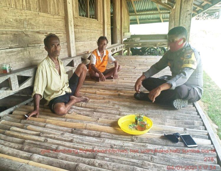 Sambang Warga Binaan Bripka Robinson Berpesan Tetap Patuhi Protokol Kesehatan