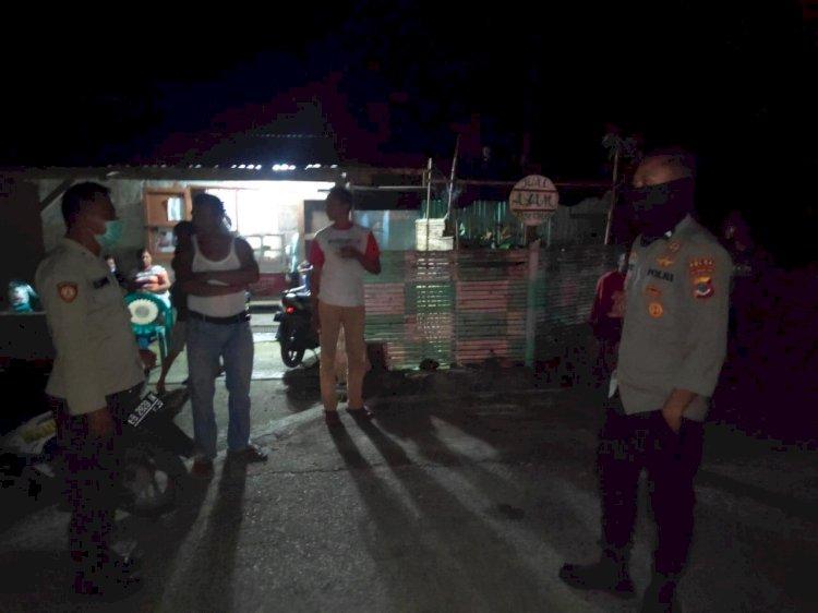 Personil Samapta Polres Sumba Barat Melaksanakan Patroli Cegah Kejahatan Di Malam Hari
