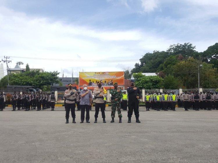 Kapolres Sumba Barat Pimpin 550 Personel Gabungan Lakukan Pengamanan Pasca Putusan MK