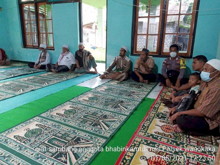 Bripka Lukman Imbau Prokes Di Masjid Nurul Jihad Desa Taranamu Kecamatan Wanokaka