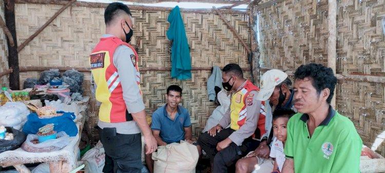 Ton 1 Dalmas Mengajak Warga Bekerja Sama Menjaga Kamtibmas Dan Cegah Covid-19 Di Kabupaten Sumba Barat