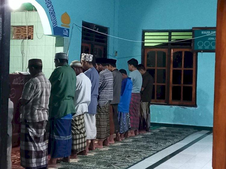 Ciptakan Situasi Kamtibmas Jelang Idul Fitri 1442 H, Porsonil Polsek Wanukaka Monitoring Pelaksanaan Sholat Tarawih