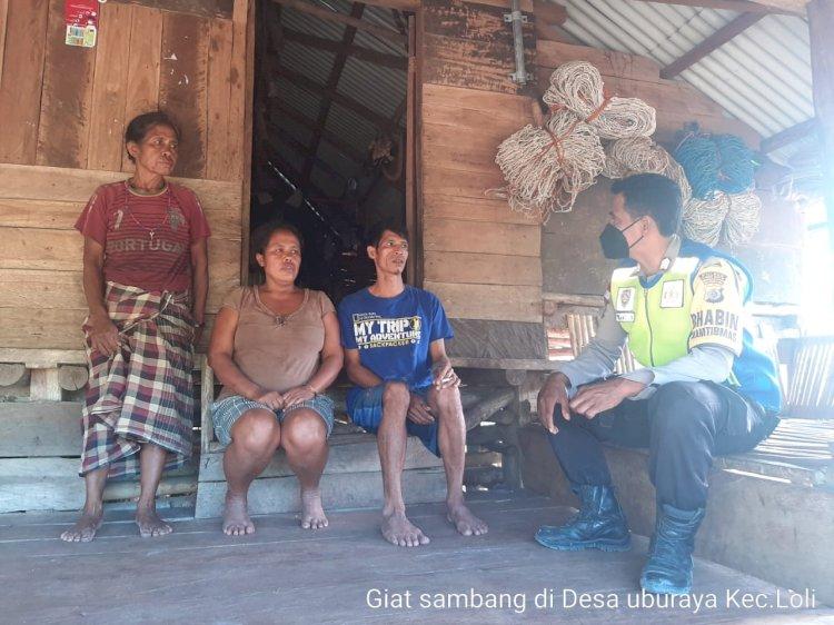 Bhabinkamtibmas Desa Uburaya Edukasi Warga Binaanya Mengenai PPKM Mikro Dan Kamtibmas