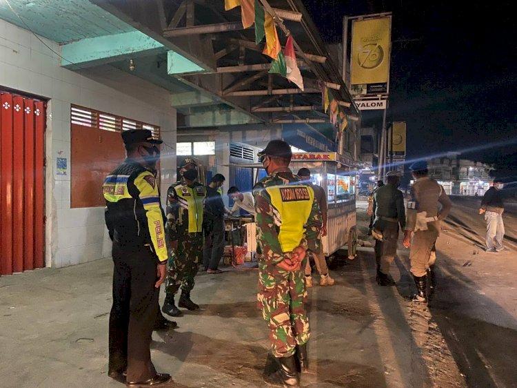 Tak Henti, Polres Sumba Barat Dan Tim Gabungan Patroli Skala Besar Dalam Rangka Pendisiplinan PPKM Darurat Di Kabupaten Sumba Barat