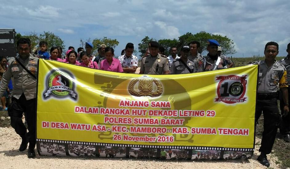 Anjang Sana HUT Dekade Leting 29 Polres Sumba Barat Di Watu Asa