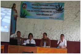 Sosialisasi Penanggulangan Narkoba Oleh Kompol I Ketut Saba Di SMA Kristen Waibakul