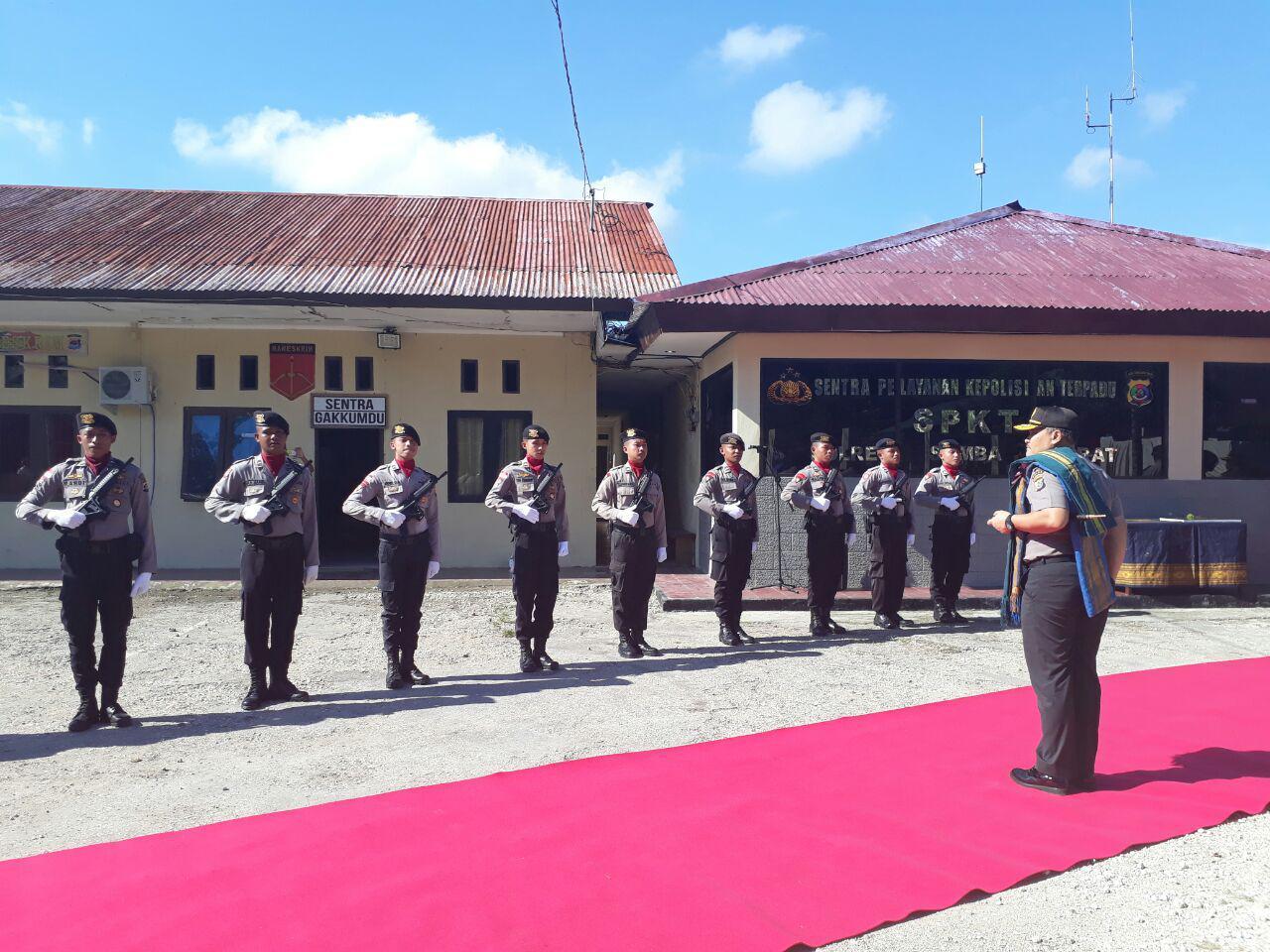 Jajaran Polres Sumba Barat dipimpin AKBP Muhamad Erwin Sambut Kunjungan Kapolda NTT Brigjen Pol Drs. Agung Sabar Santoso, SH, MH