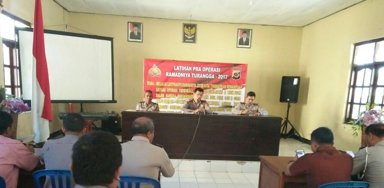 Latihan Pra Operasi Ramadhaniya Turangga Tahun 2017 Jelang Idul Fitri 1438 H oleh Kapolres Sumba Barat