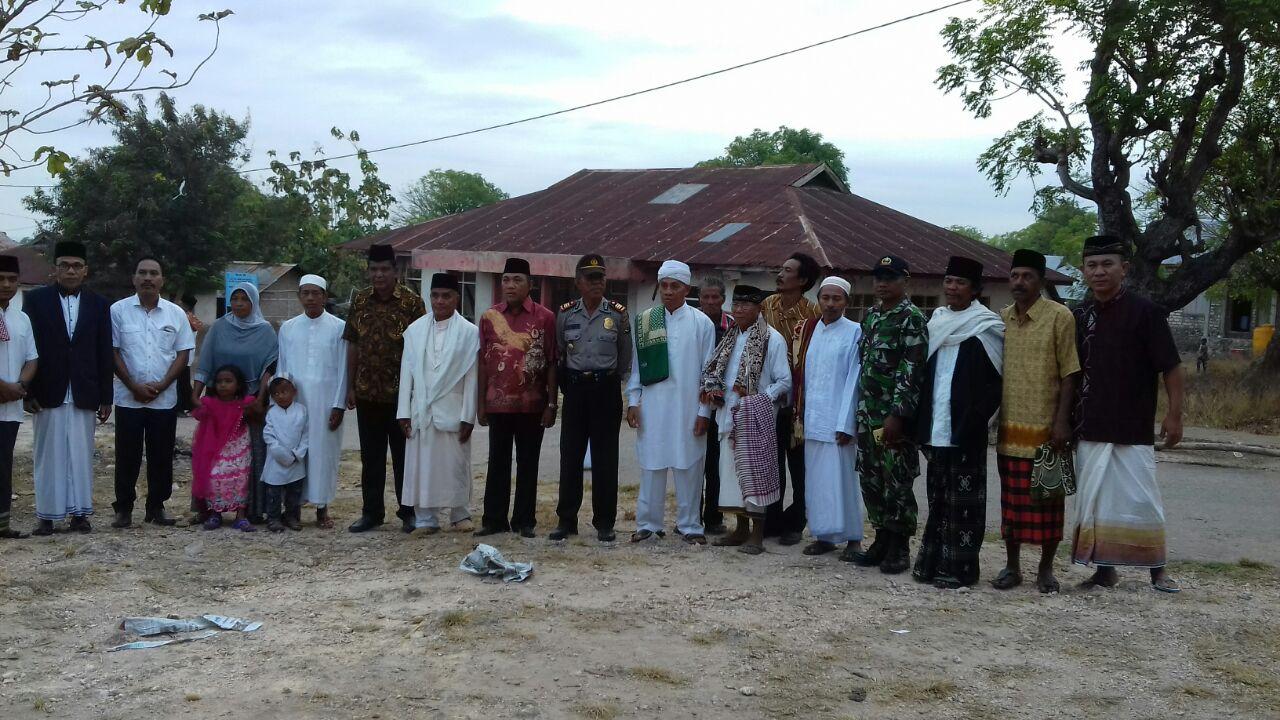 Pengamanan Sholat Ied oleh Jajaran Polres Sumba Barat yang didukung oleh Kelompok Lintas Agama