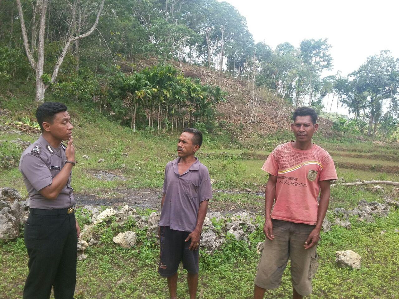 Bersama Bhabinkamtibmas | Warga Desa Antisipasi Terjadinya Kebakaran