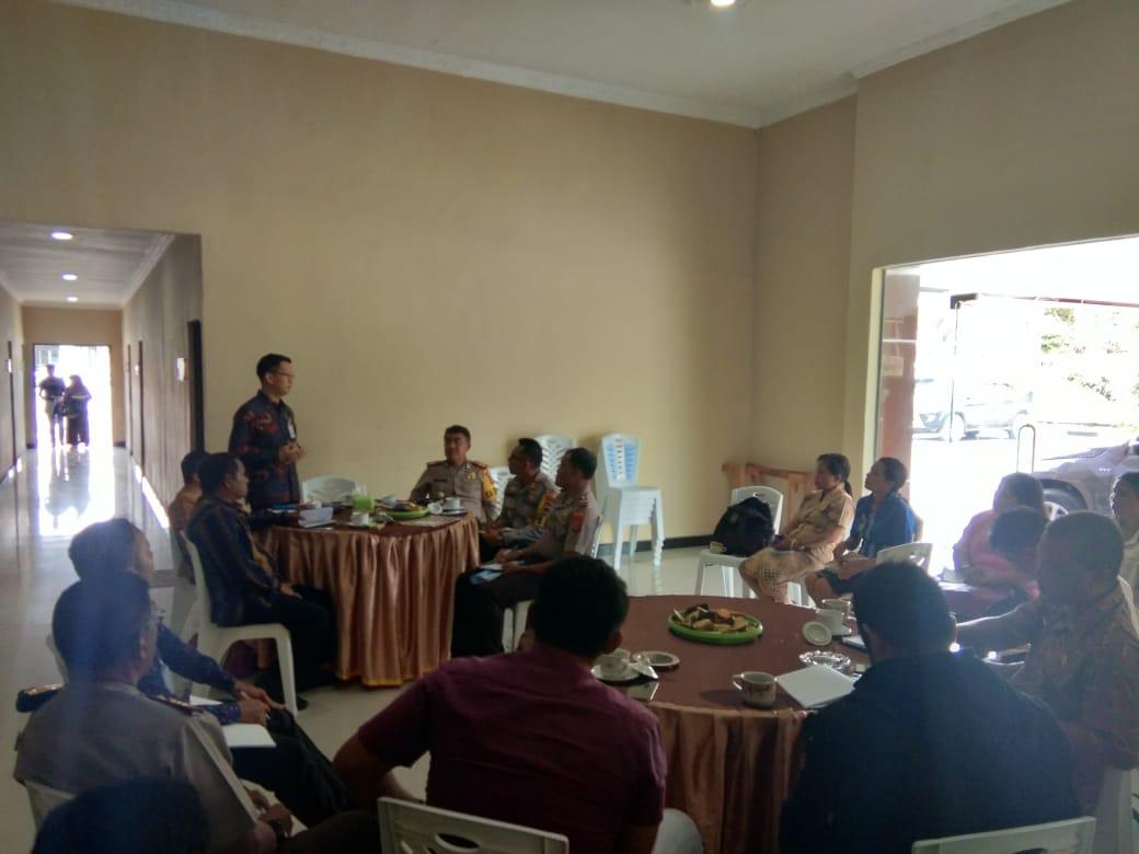 Kapolres Sumba Barat Pimpin Rakor Tindak Lanjut Distribusi Bansos ke Warga Kurang Mampu