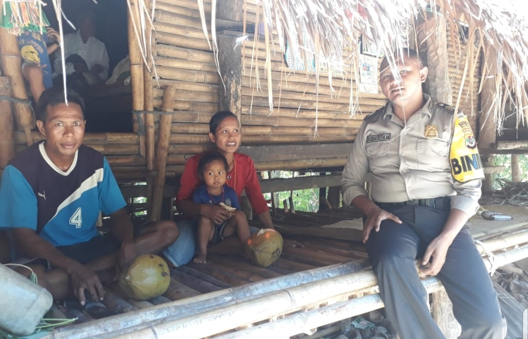 Sambang Warga Binaan || Giat Bhabinkamtibmas & Kasium Polsek Lamboya di Hari Minggu