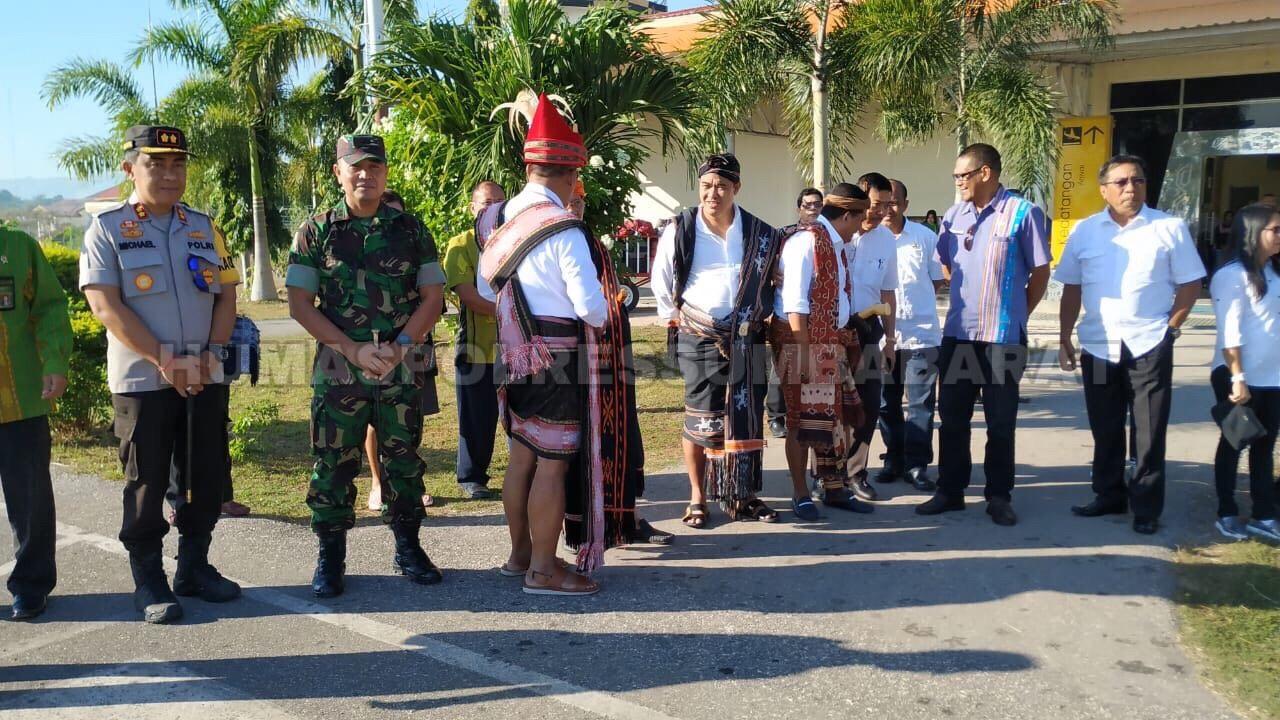 Kunker Gubernur dan Wakil Gubernur NTT serta Ketua Komisi V DPR RI ke Kabupaten Sumba Barat Daya