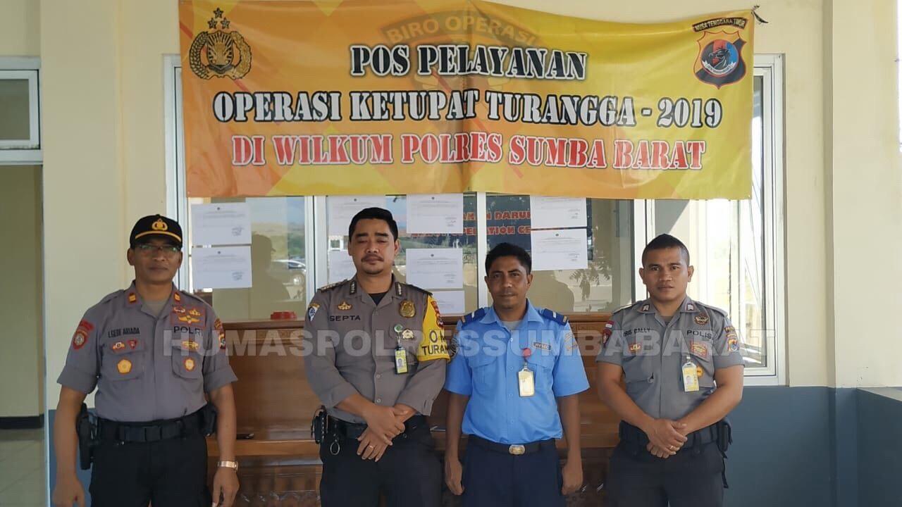 Arus Balik Lebaran | 2 Personel Polsubsektor KPPP Udara Pastikan Kenyamanan Para Pemudik