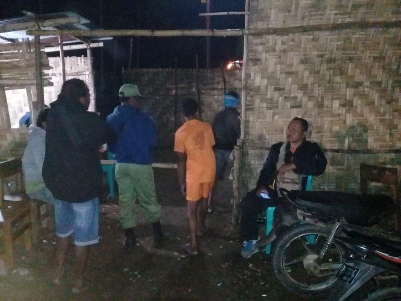 Polsek Wewewa Selatan Gelar Patroli dan Pengamanan Pasar Malam
