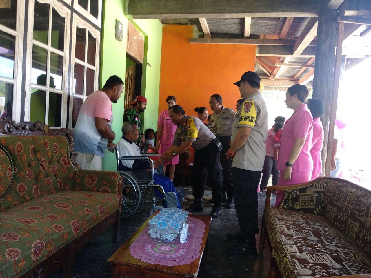 Peringati Hari Bhayangkara ke 73, Waka Polres & Istri Anjangsana ke Panti Asuhan & Purnawirawan