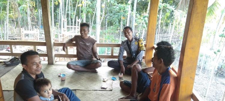 Patroli Dialogis & Sambang Brigpol Yafet guna Wujudkan Lingkungan Desa yang Kondusif