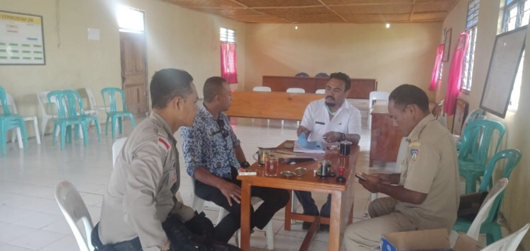 Bersama Tim Satgas Dana Desa, Brigpol Budiman Lakukan Monev Realisasi APBDes di Desa Mbilur Pangadu