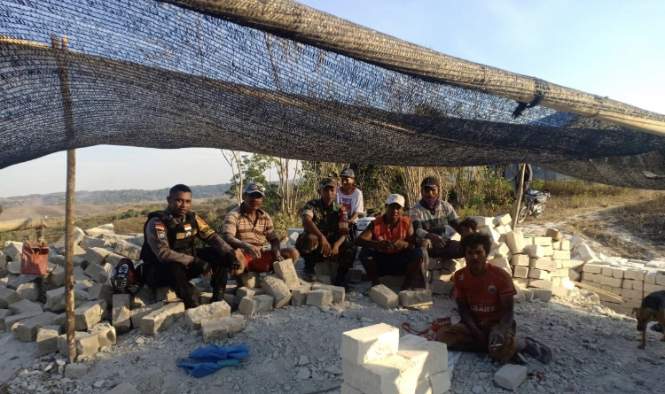 Sambang Kelompok Batu Potong, Brigpol Andreas Ajak Tingkatkan PAD Maradesa
