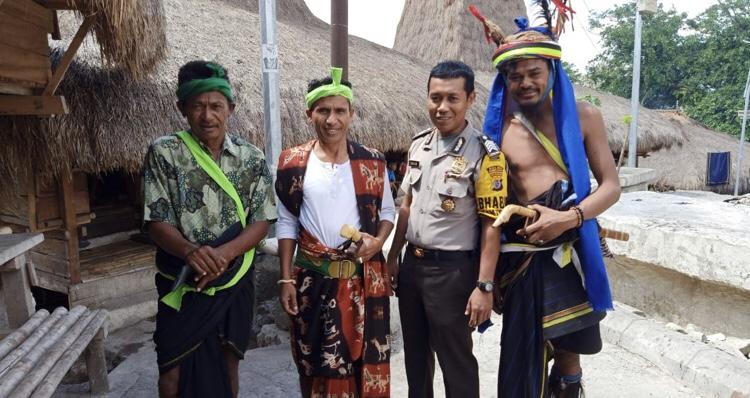 Monitoring Prosesi Ritual Wulla Poddu, Bripka Arjiko Sampaikan Ini ke Rato Adat
