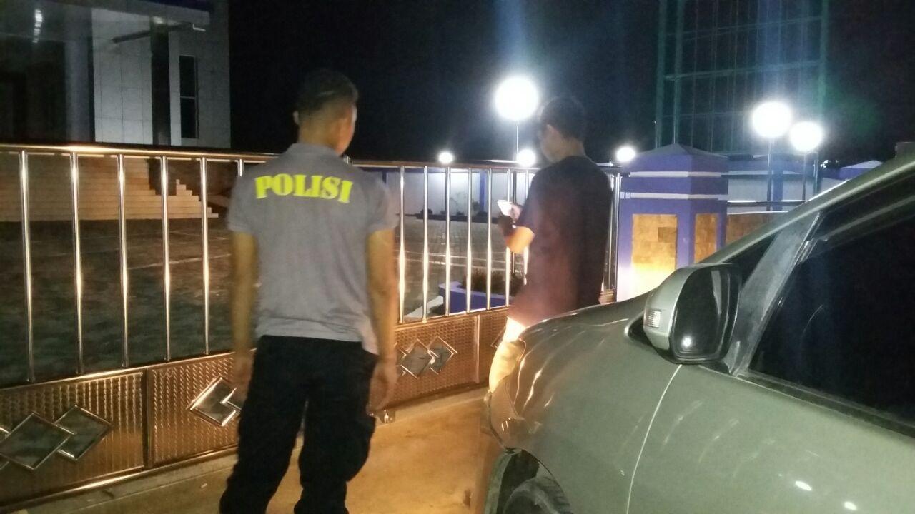 Patroli Malam Serta Menyapa Warga Dengan Imbauan Kamtibmas