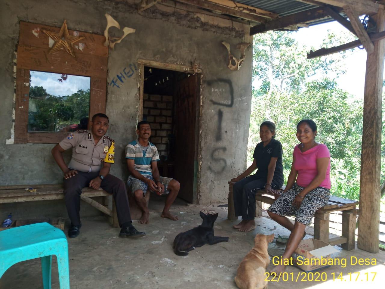 Bhabinkamtibmas Polsek Mamboro Sambang Warga Desa
