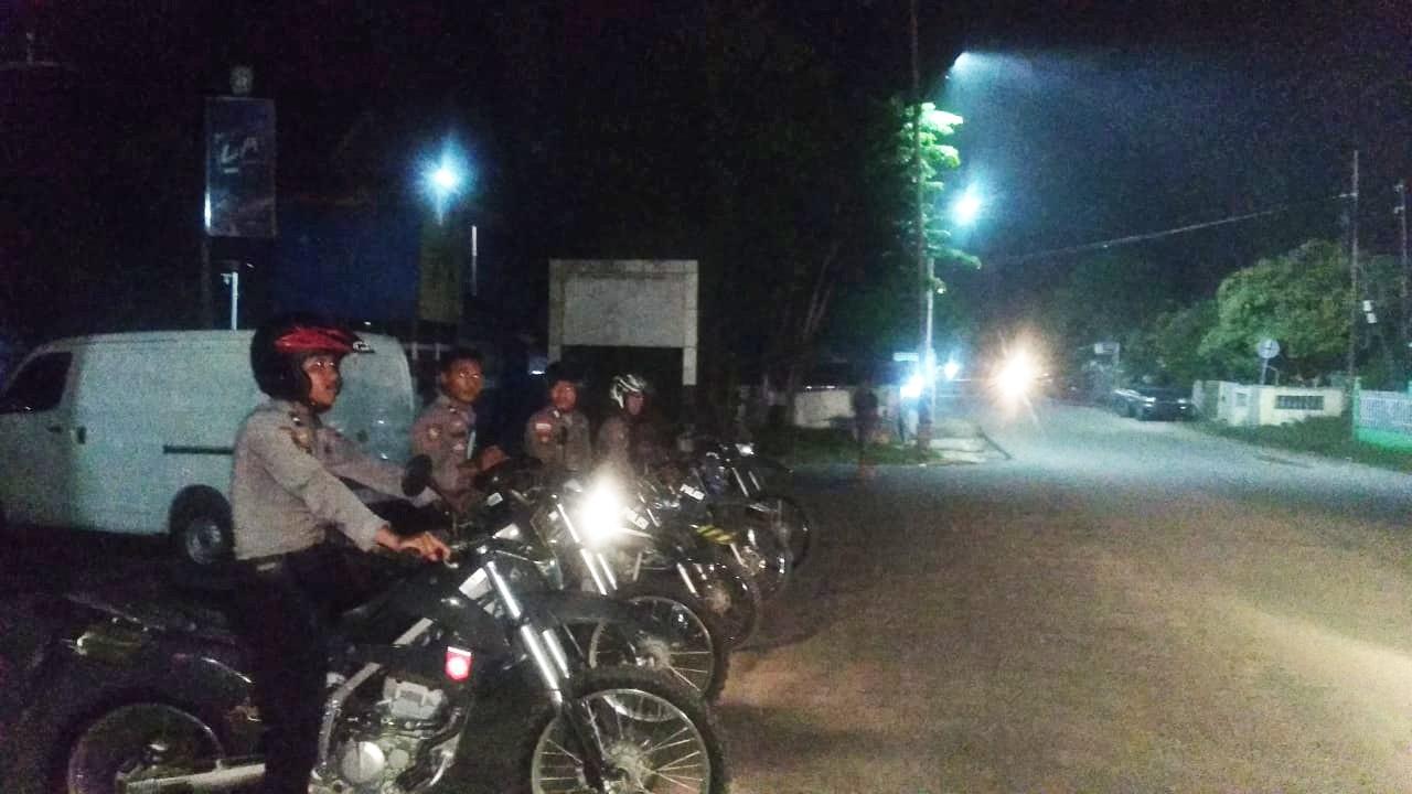 Jaga Situasi Tetap Kondusif, Turjawali Polres Sumba Barat Rutin Patroli Malam