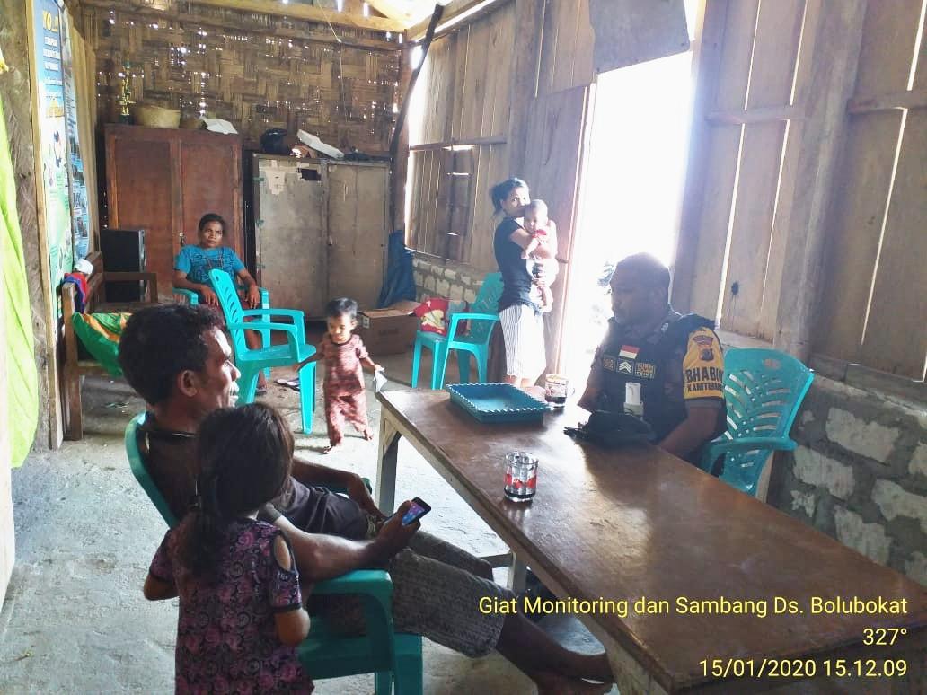 Bhabinkamtibmas Sambang Kepala Desa Sampaikan Pesan Kamtibmas