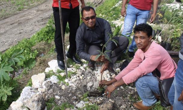 Polri Peduli Penghijauan | '1 Orang 1 Pohon', 15 Personel Reskrim Polres SB Tanam Pohon di 'Lapale Hills'