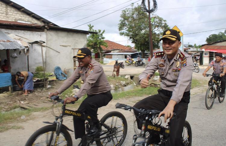 Patroli Bersepeda   Kapolres Sumba Barat & Tim 'Onthelis' Susuri Kota Waikabubak