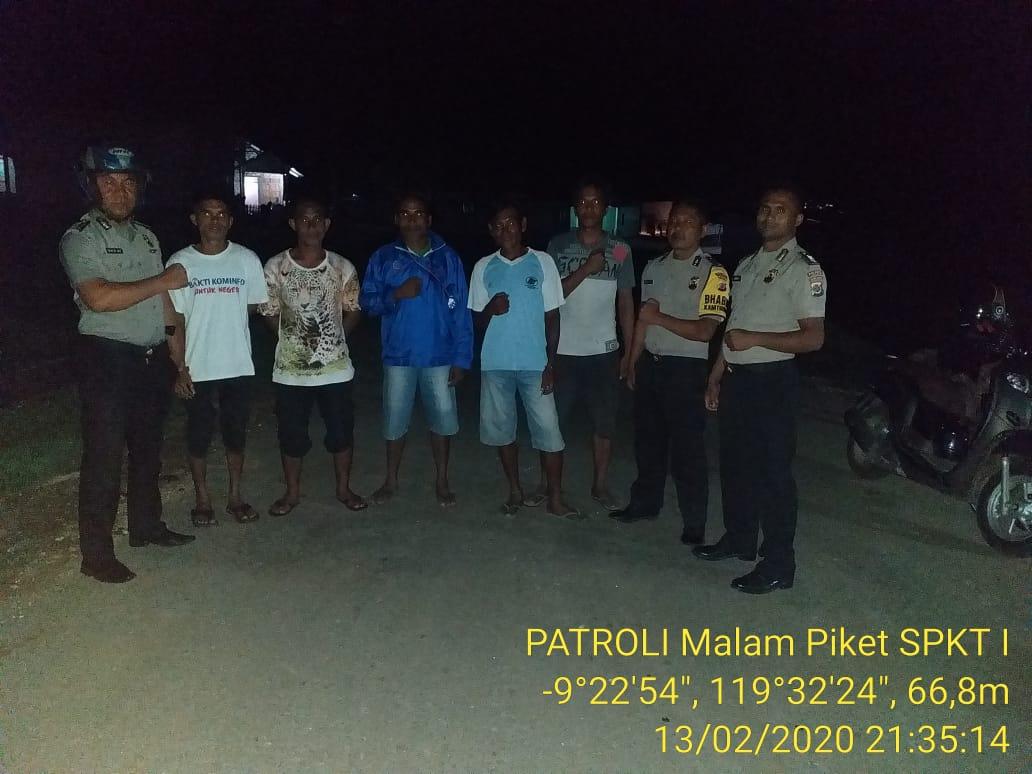 Dipimpin KA SPKT I,Polsek Mamboro Patroli Malam Demi Meminimalisir Tindak Kejahatan
