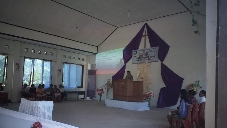 Pengamanan Ibadah Minggu oleh Bripka Ramlin & Bripka Abdul di Gereja Manuakaropa